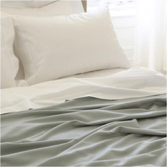 matouk-blanket-1